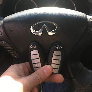 Automotive Locksmith work on Infinti in Simsbury CT